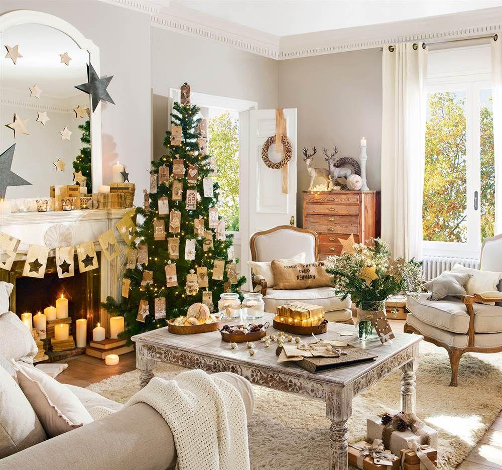 Salón navideño en tonos dorados