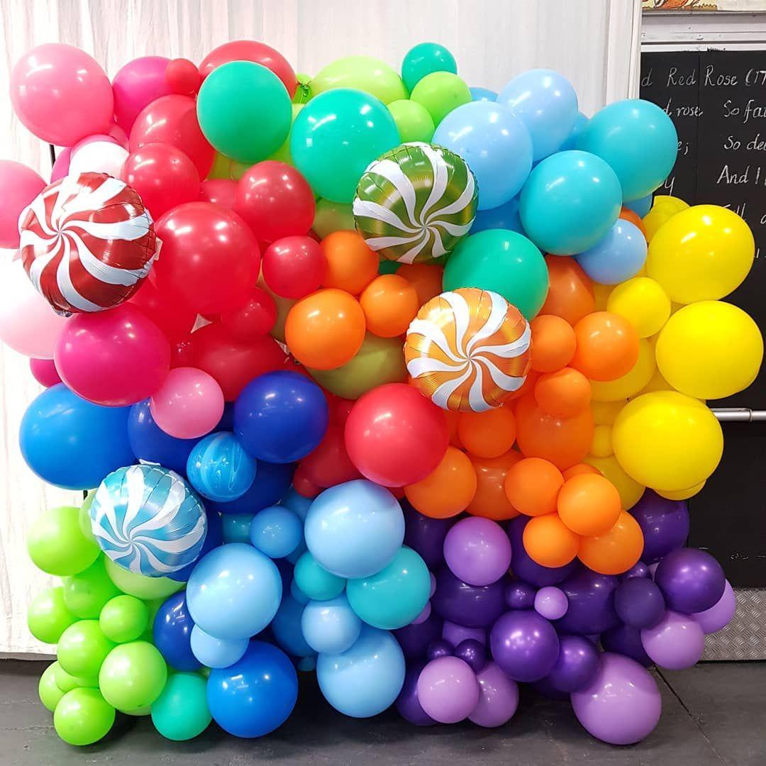 "The Confetti Room 🎈🎈🎈 on Instagram: ""Balloon Walls are FUN ..."