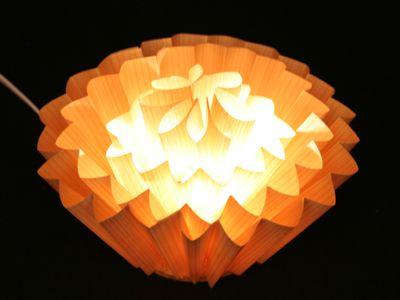 テナージュを使用した照明1(京都工芸繊維大学大学院 工芸科学研究科 デザイン科学専攻グループの修了製作)