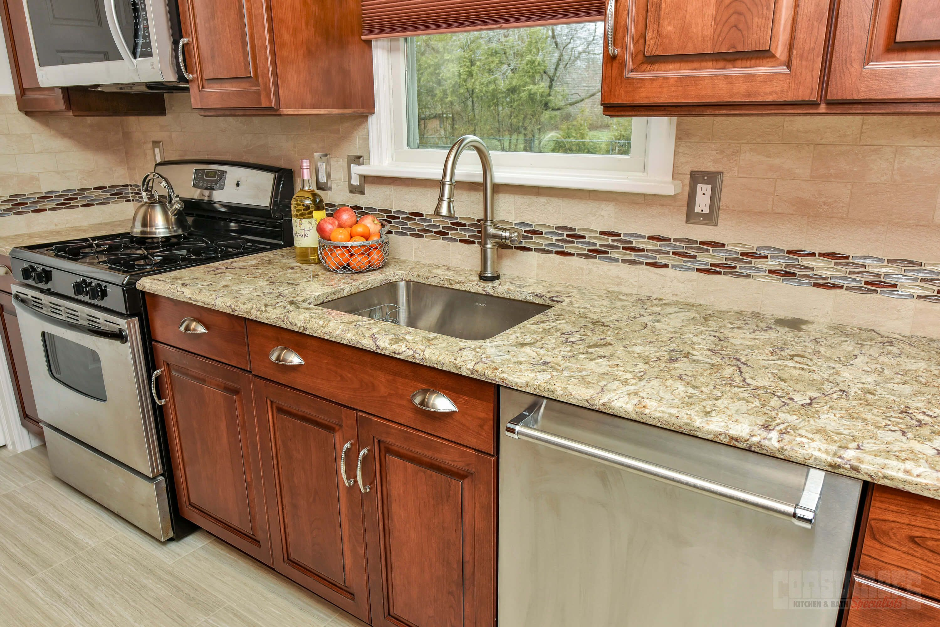 Greenlawn Galley - Consumers Kitchen Showcase Design - Long Island