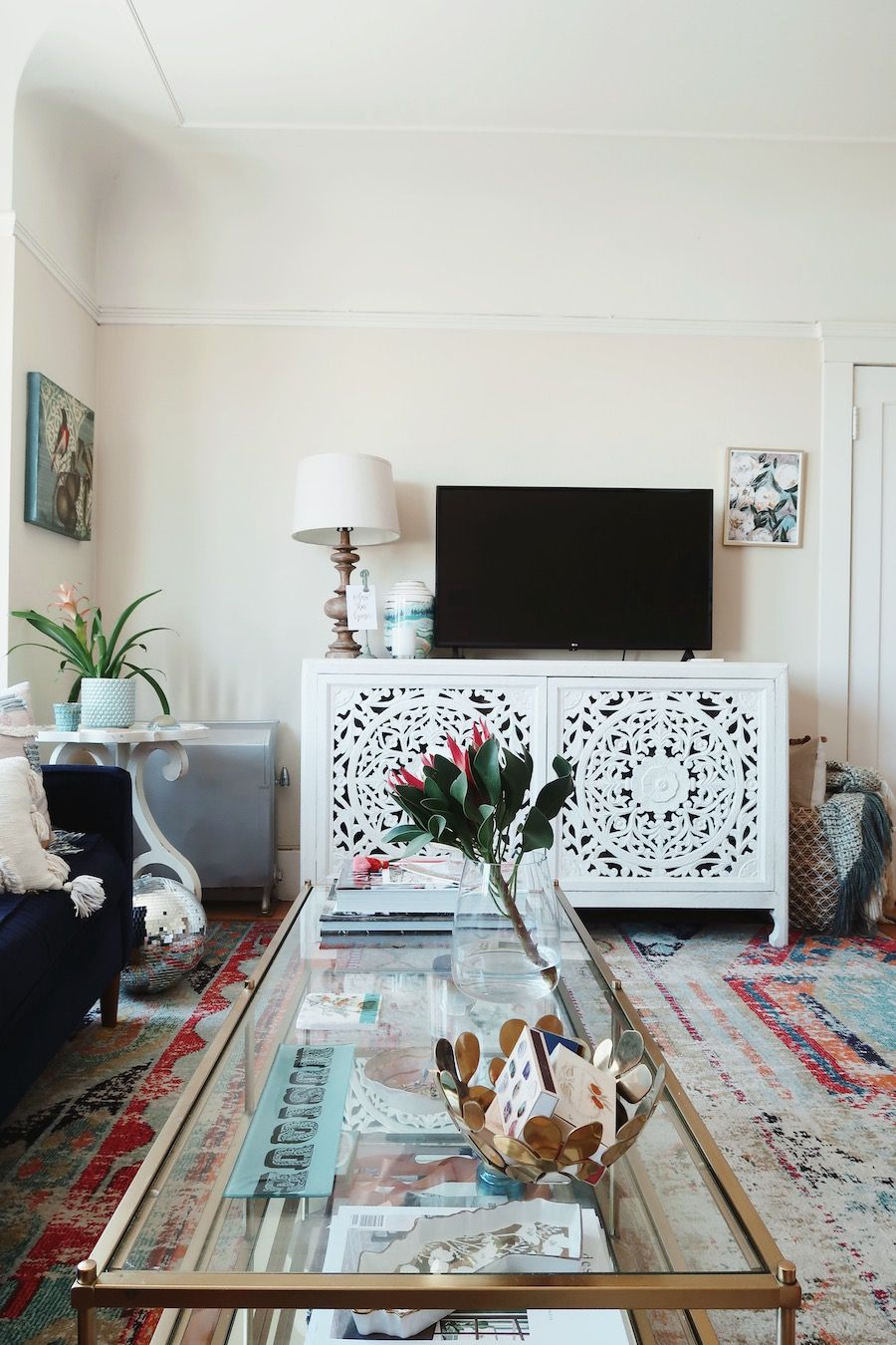 Home Tour: 650 Sq. Ft. of Feminine Style in San Francisco ...