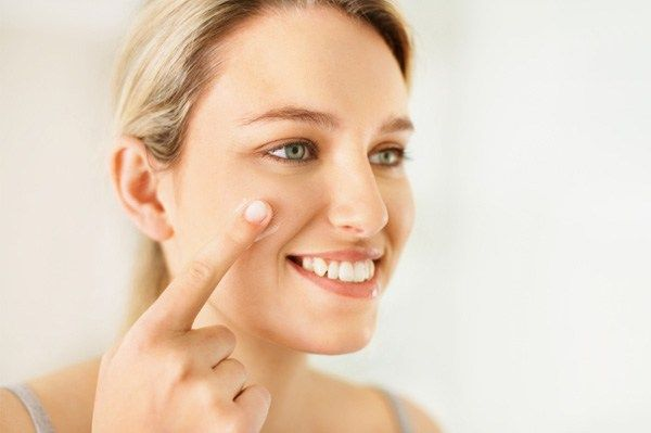 En esta guía, te muestro todos los consejos, técnicas y trucos que debes saber para un maquillaje de día, incluyendo valiosos tutoriales. LEER MÁS AQUÍ.