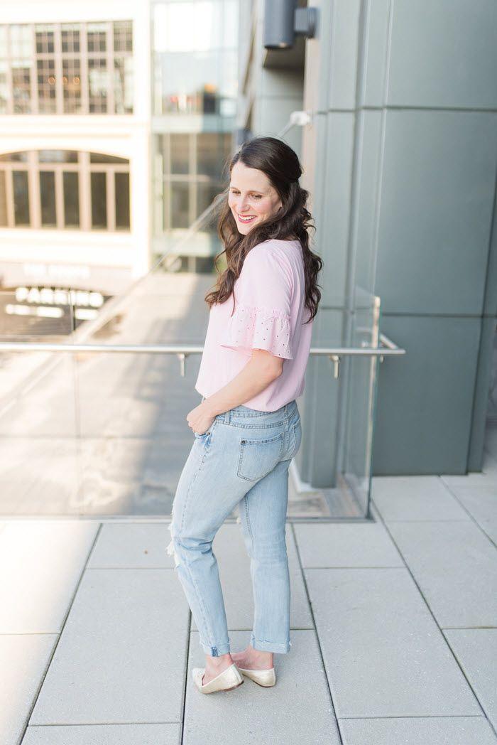 How to look feminine in boyfriend jeans | Midtown Magnolia