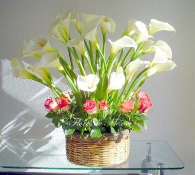 Arreglos florales con alcatraces para la casa arranjos - Adornos florales para casa ...