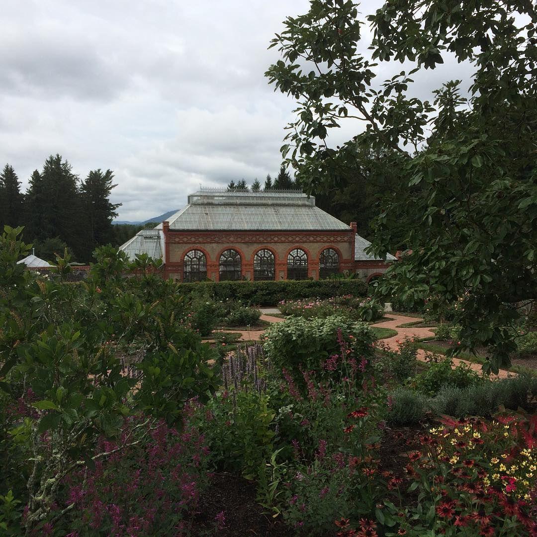 #Biltmore #northcarolina #mansion #vanderbilt #garden