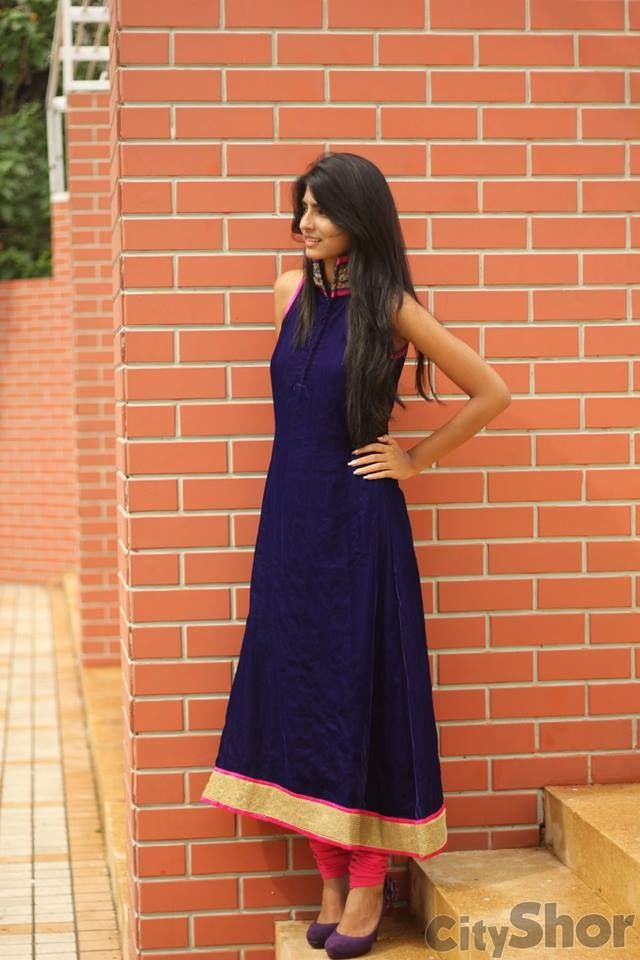 ff081b52e7 Navy and red. simple but elegant. | Outfit in 2019 | Indian dresses ...