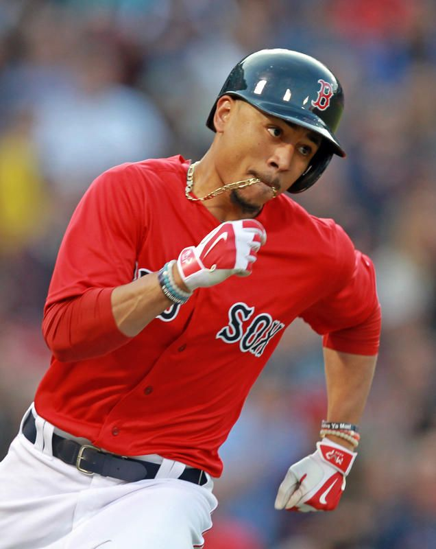 Photo of Mookie Betts thinking less, hitting more