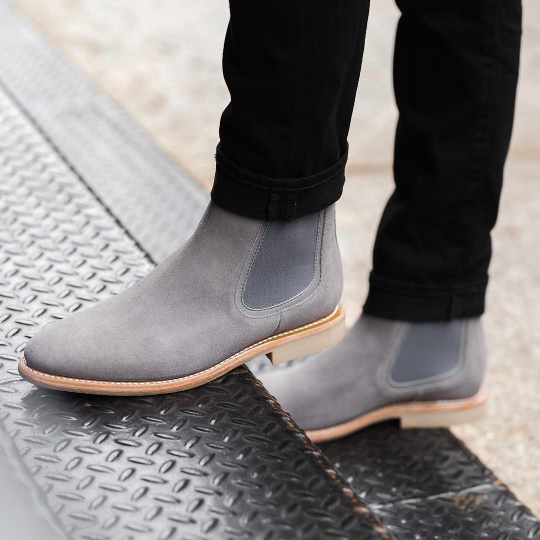 These chelsea boots from @thursdayboots are amazing. Loving