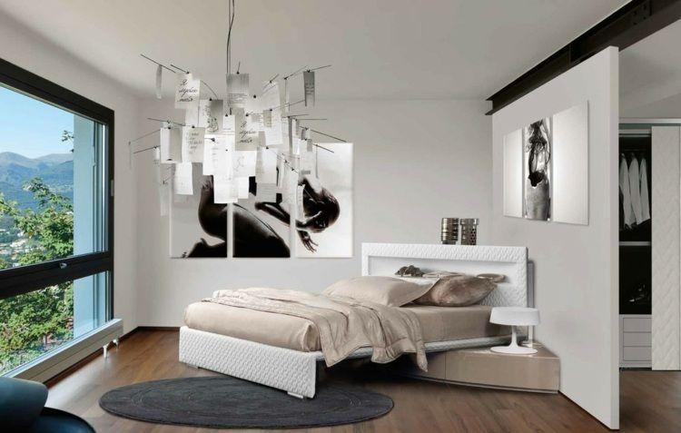 eckbett mit auflagefläche und pendelleuchte im schlafzimmer, Schlafzimmer design