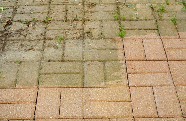 2 astuces pour nettoyer sa terrasse sans effort truc et astuces