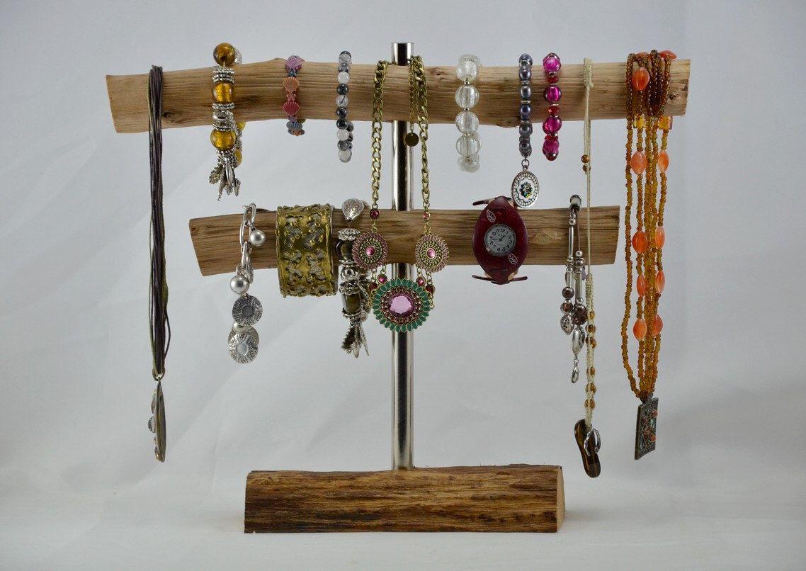 Presentoir A Bijoux Colliers Et Bracelets Par Touchedebois Sur Etsy Https Www Etsy Com Fr Listing 266891242 Pres Bracelet Display Wind Chimes Wood And Metal