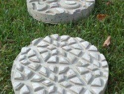 DIY Garden Stepping Stones #steppingstonespathway