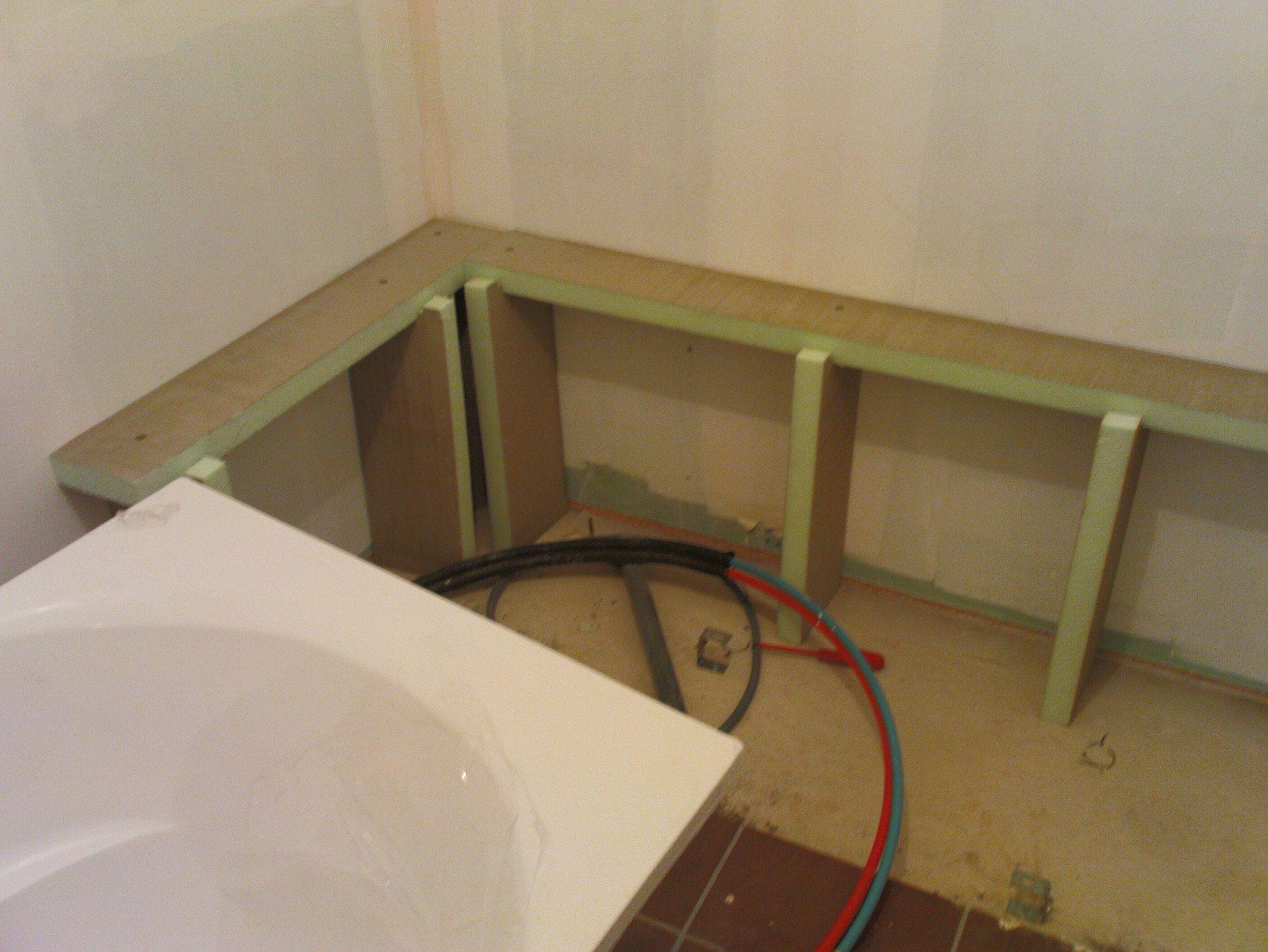 Panneau carreler habillage baignoire bathroom inspiration pinterest habillage - Tablier de baignoire a carreler ...