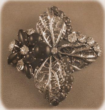 1948 Dior brooch