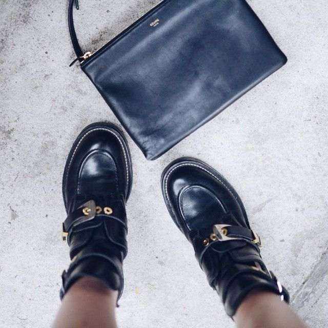 From today's post! Now on www.moderosa.com #today #fromabove #balenciaga #celine #triobag #ootd #outfit #girl #fashion #blogger (direct link in bio) #Padgram