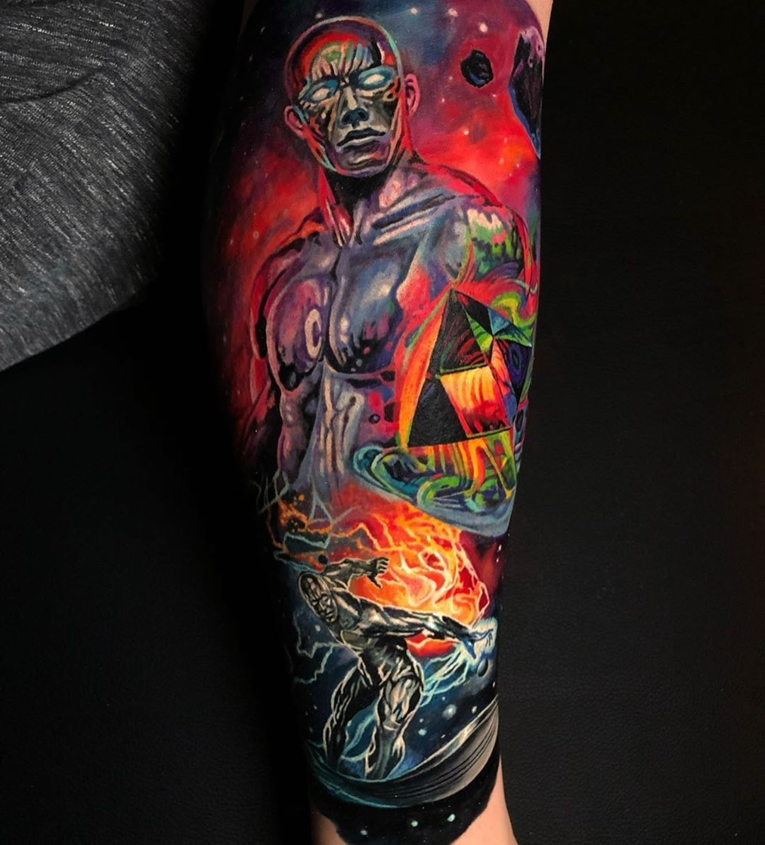 🙏🏻⚡👏 Silver Surfer Artist: @draworking Country: CA ——————————————————————— ⚜️FOLLOW⚜️ @skingiants for daily tattoos! Sharing only the best tattoos Artists on instagram —————————————————————— #realismtattoo #colourtattoo #skingiants #tattooist #tattoolove #tattooed #tattoosleeve #tattoodesign #tattoolover #tattooworld #tattoosofinstagram #tattoolovers #tattooleg #inked #tat #tats
