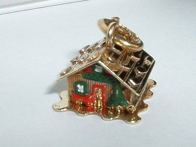 VINTAGE-14k-YELLOW-GOLD-CABIN-HOME-HOUSE-CHARM-opens-up-to-a-couple..