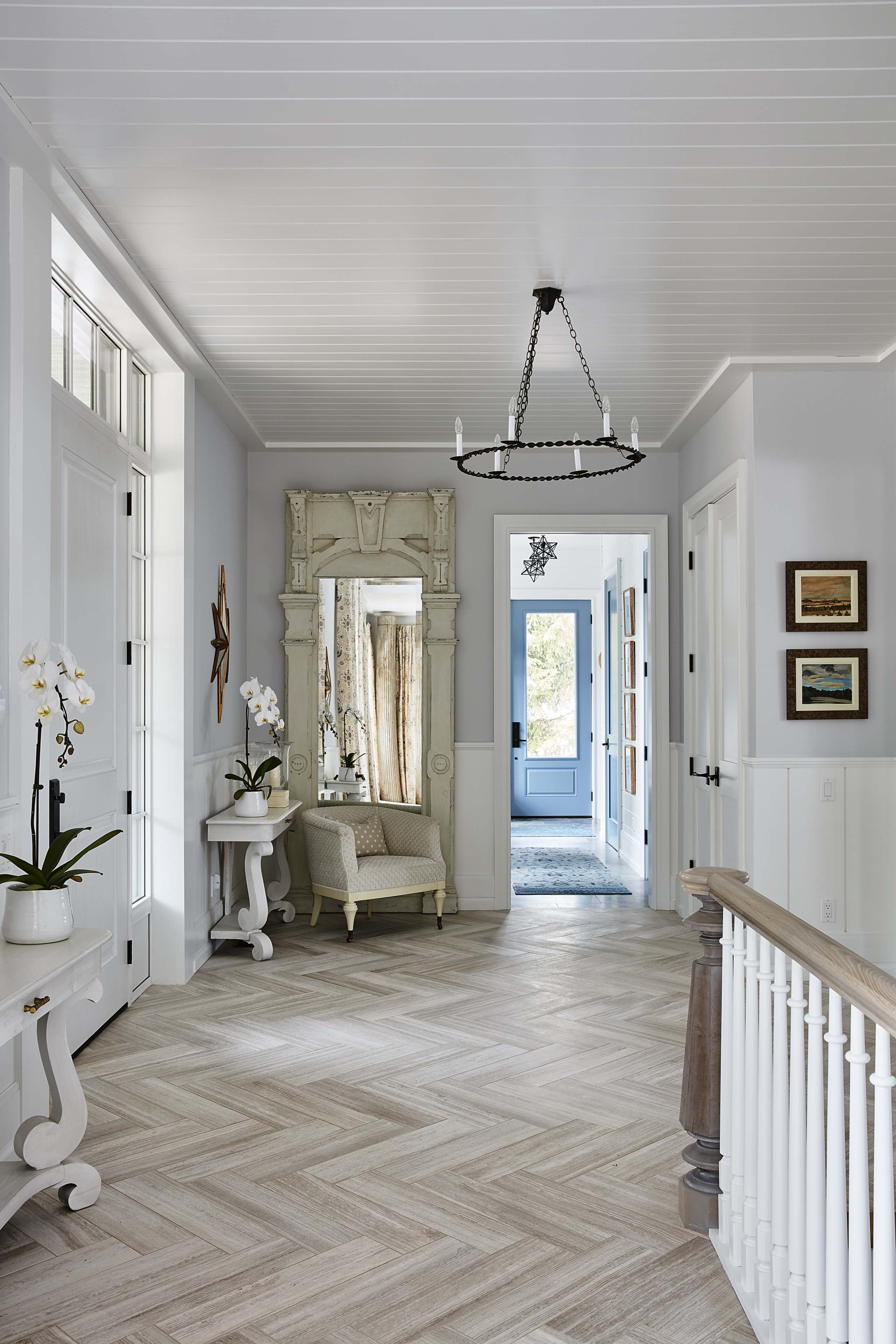 Small Room Off Foyer : Provence apartment interior design inspiration