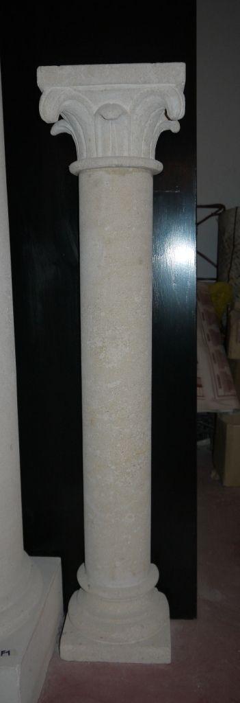 Säule aus Stein - http://www.achillegrassi.com/de/project/colonna-pietra/ - Säule aus weißem Stein von Palladio, feingeschliffen Maße: – 28cmx 18cm x 125cm