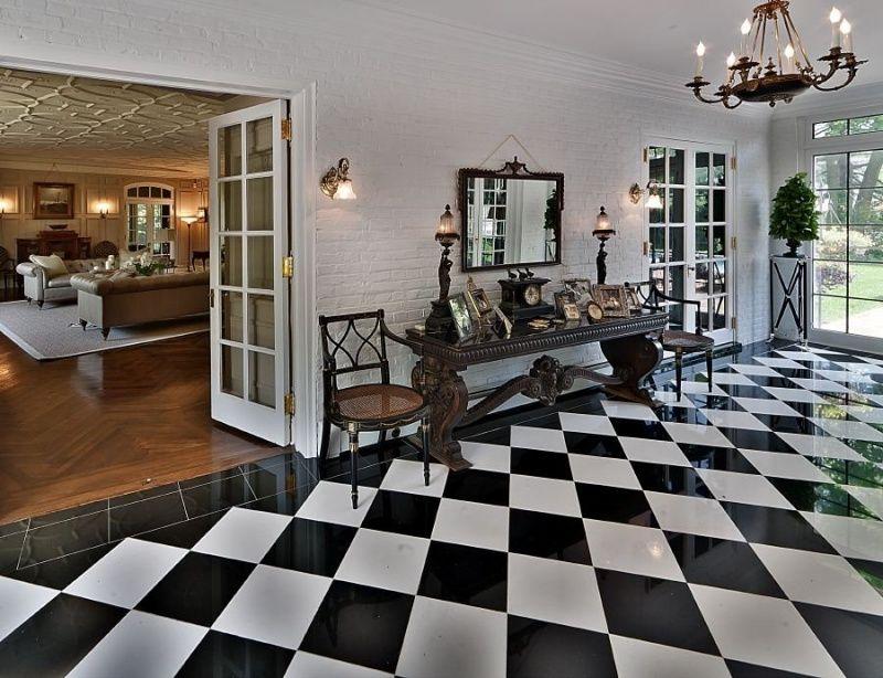 black white floor tiles decor checkered floors tile layout flooring. Black Bedroom Furniture Sets. Home Design Ideas