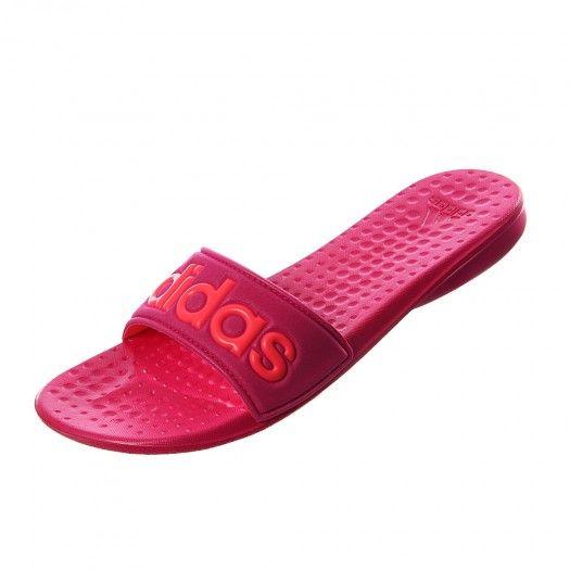 Añade un toque de color al verano con #Adidas Sandalia Carodas Slide perfectas para tus looks más dulces y para resaltar tu bronceado. #Vacaciones #Playa