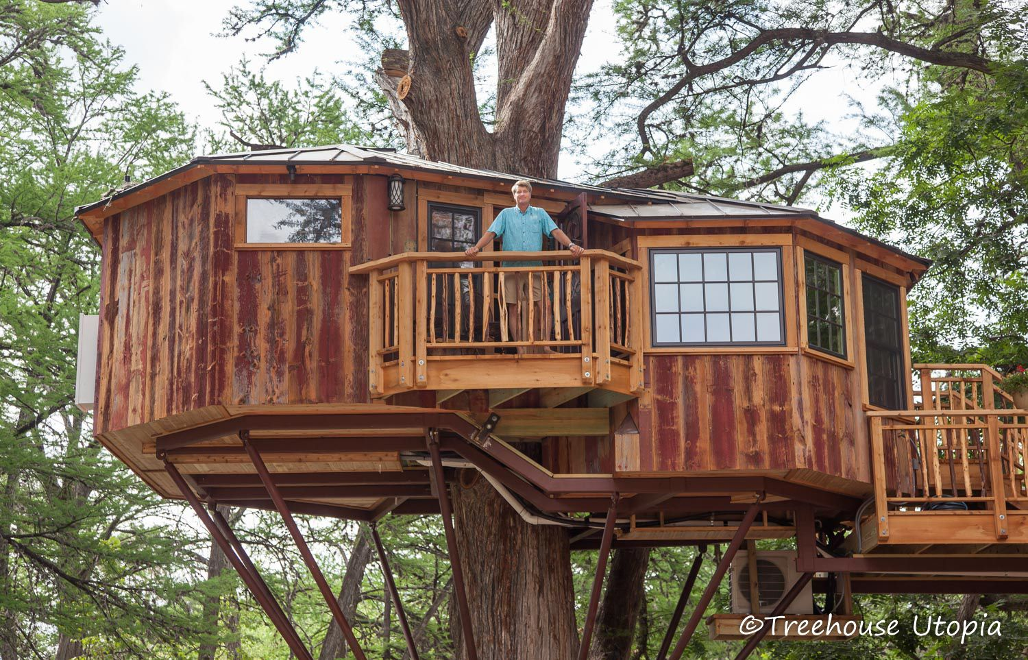 PeteNelsonTreehouseUtopia20185 Tree house, Building a