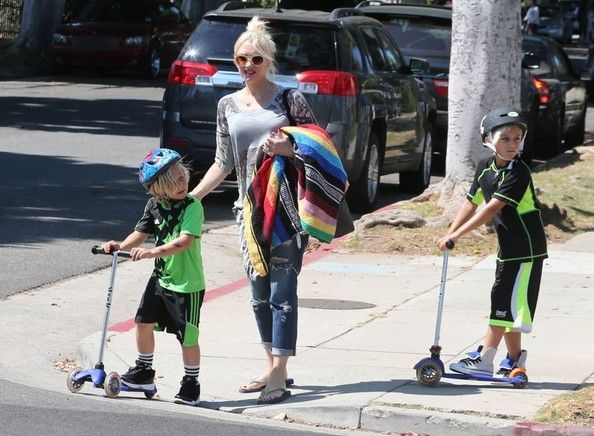 Gwen Stefani takes her boys Kingston and Zuma to the park