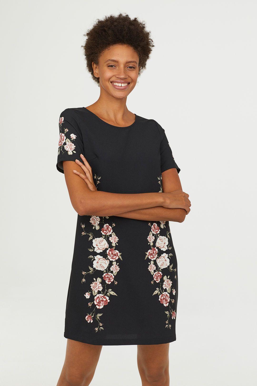 3485505d34c3 Kortärmad klänning | hm | Dresses with sleeves, Dresses, Black flowers