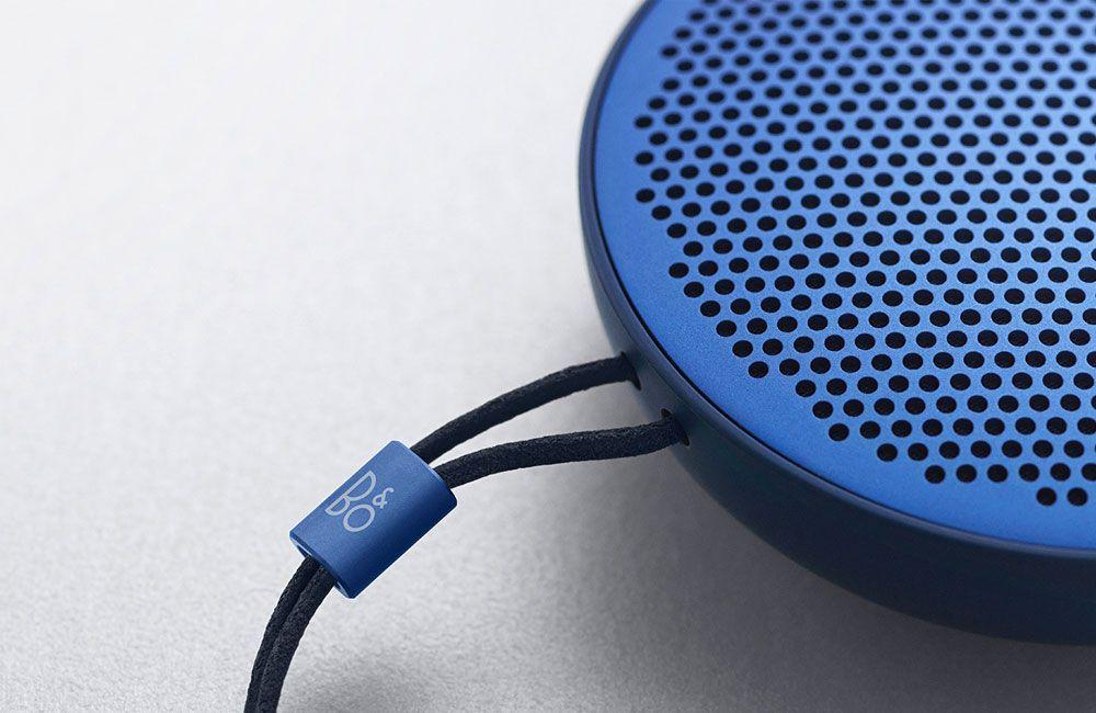 Beoplay P2 Kompakter Design Lautsprecher Fur Die Hosentasche Hosentaschen Lautsprecher Design Lautsprecher