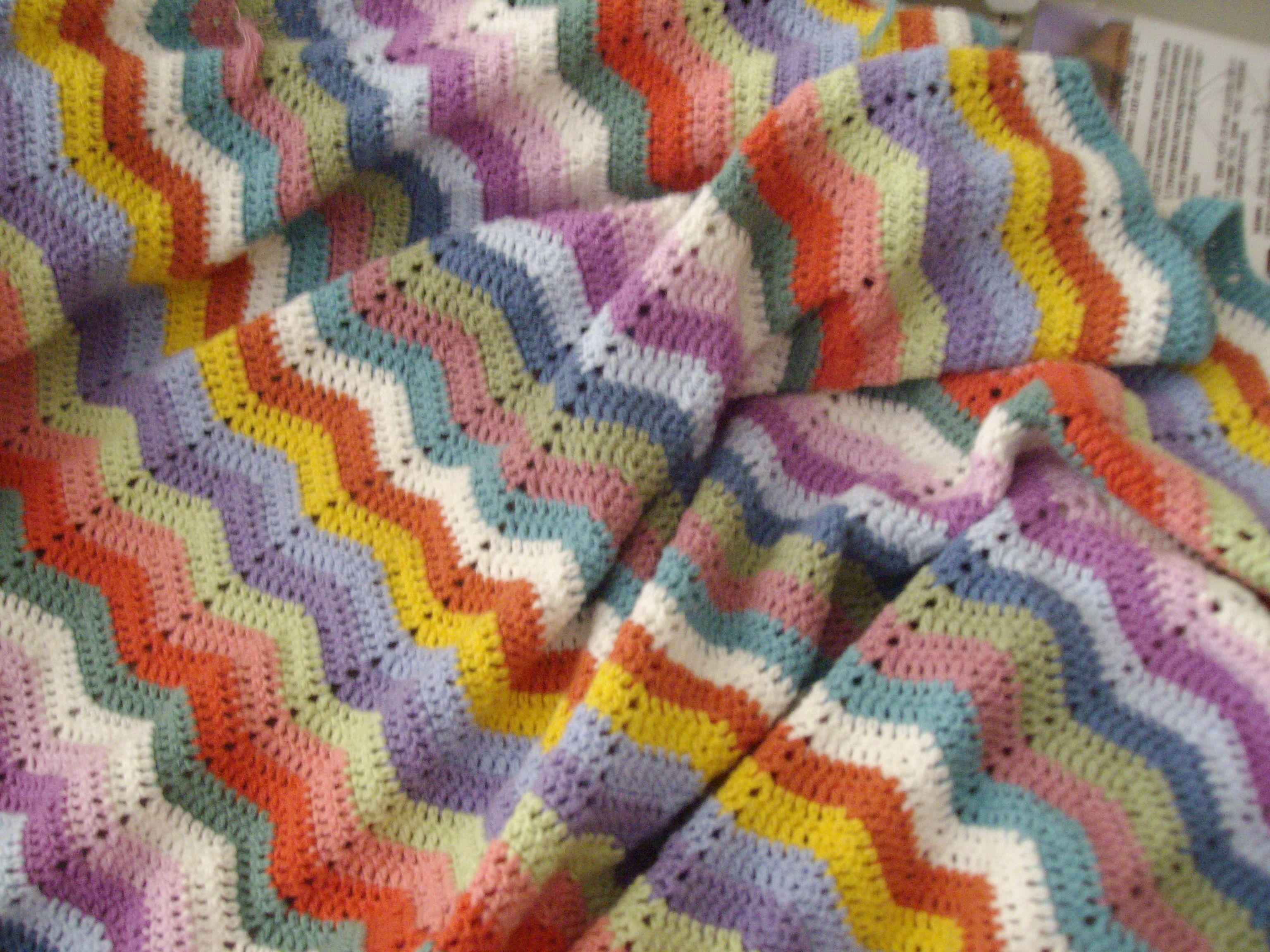 crochet blanket-chevron pattern. Love this!   For the Home   Pinterest