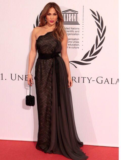 Jennifer lopez en robe de soiree