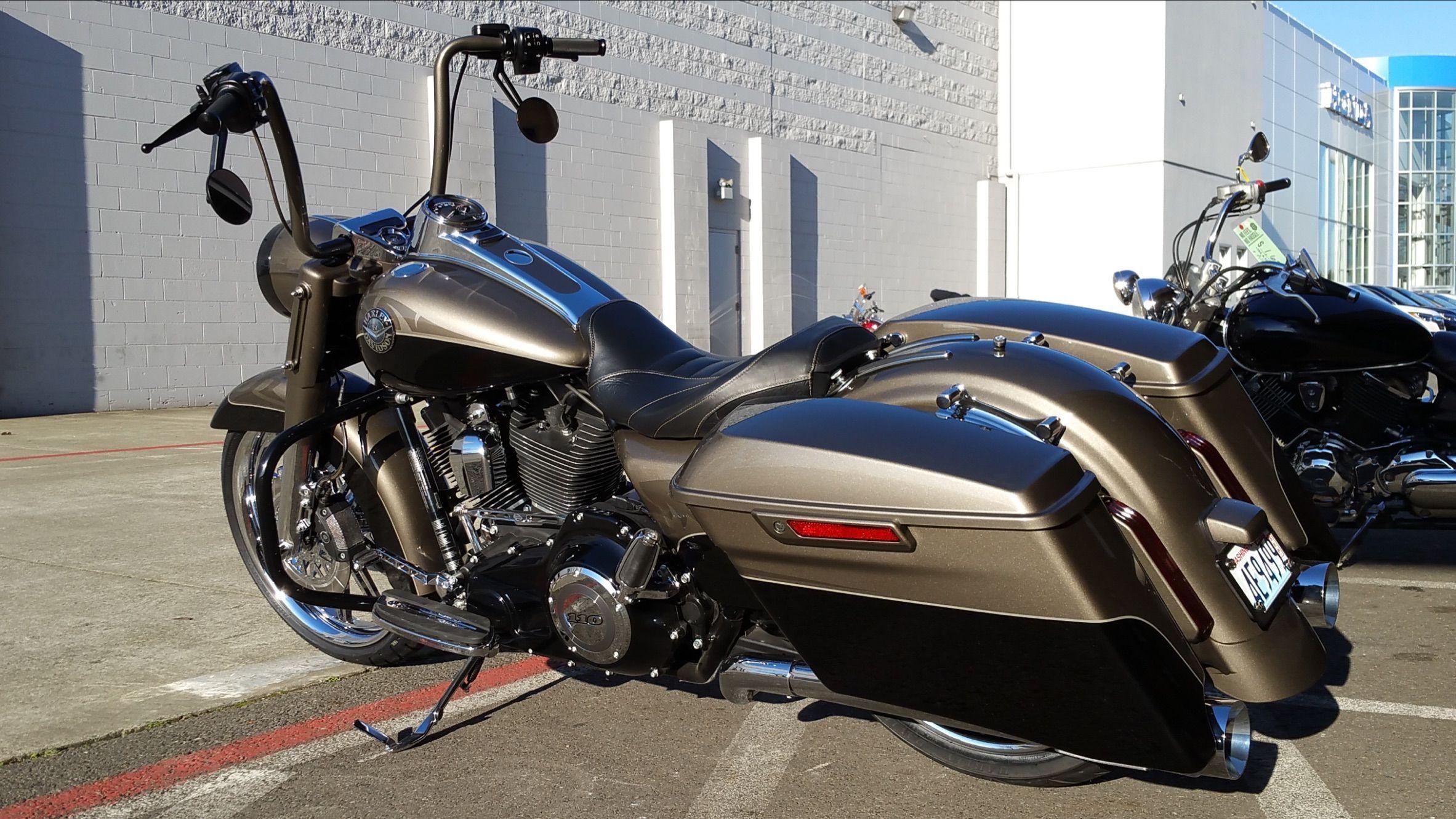 2014 Cvo Road King Harleydavidsonroadkingcvo Harleydavidsoncustommotorcyclesroadking Harley Davidson Baggers Harley Davidson Harley Bikes
