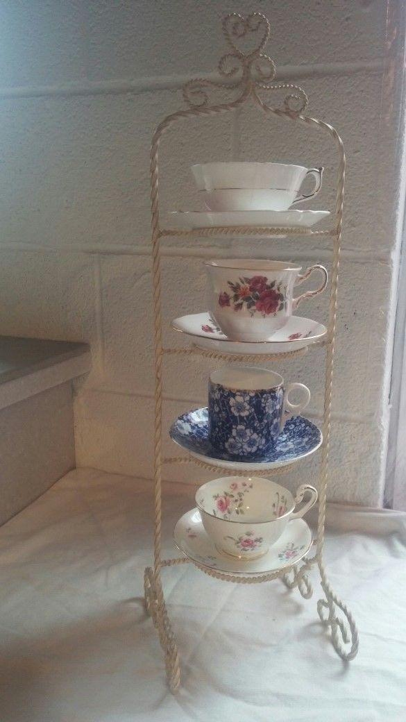 40 Tier Twisted White Gold Iron Metal TEA CUP SAUCER DISPLAY STAND Mesmerizing Cup And Saucer Display Stands