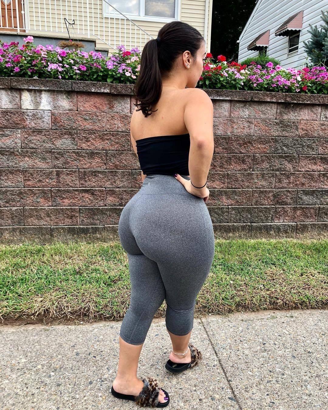 Big plus ass women