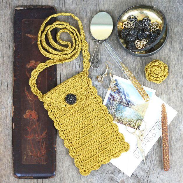 Mustard crochet cross body phone purse. Made for Samsung Galaxy S7/S7…