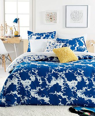 Holy This Looks Like Splatter Paint This Would Be Another Cool Look With The Lichtenstein Pillows Blue Comforter Sets Queen Comforter Sets Comforter Sets
