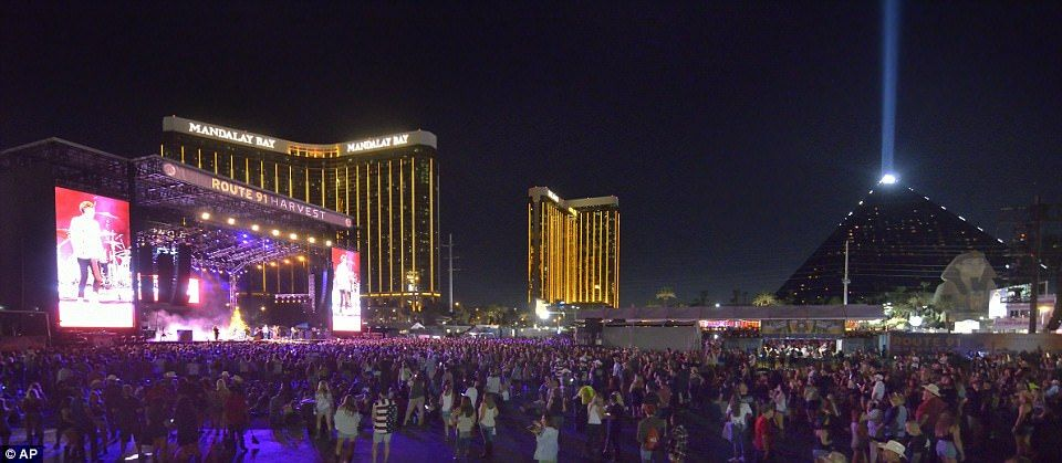At Least 59 Dead 527 Injured In Las Vegas Shooting Route 91