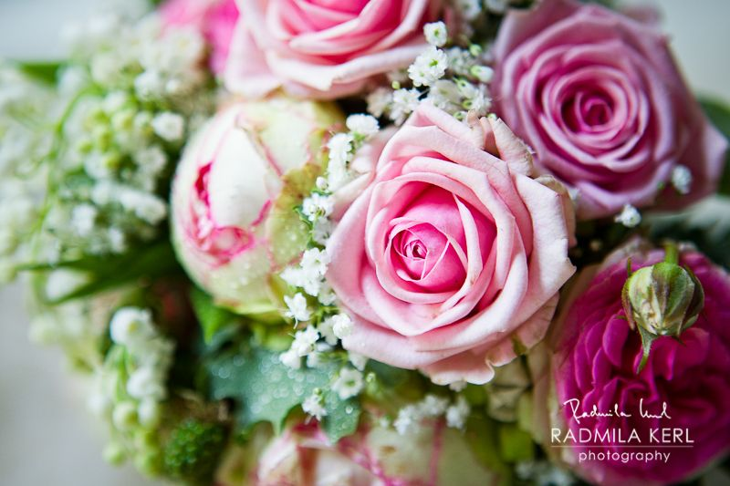 Detail photography of beautiful rose pink flower arrangement by (c) radmila kerl wedding photography munich