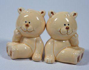 Josef Originals Teddy Bear Salt & Pepper Shakers @ http://accentsdujour.ecrater.com Price: $8.00