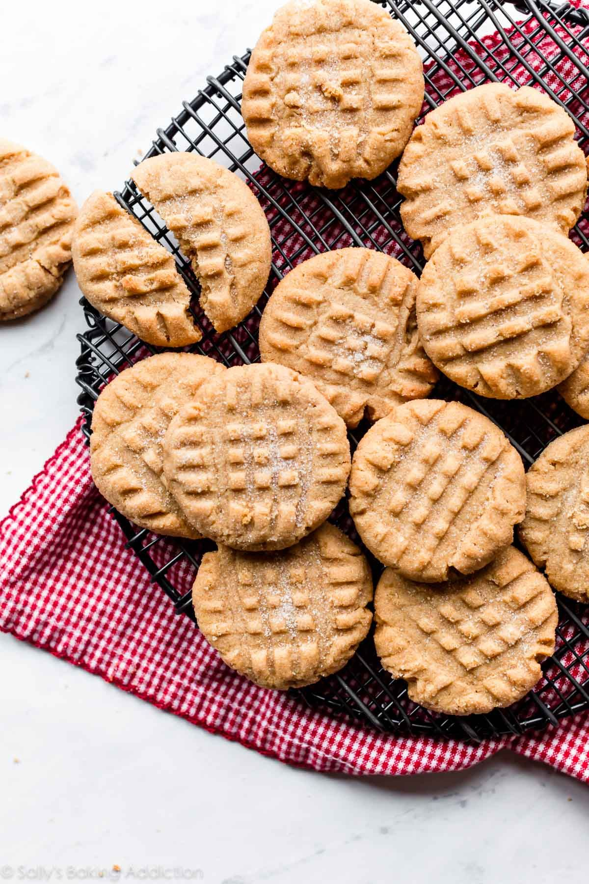 How To Make Soft Baked Mega Peanut Butter Cookies With Extreme