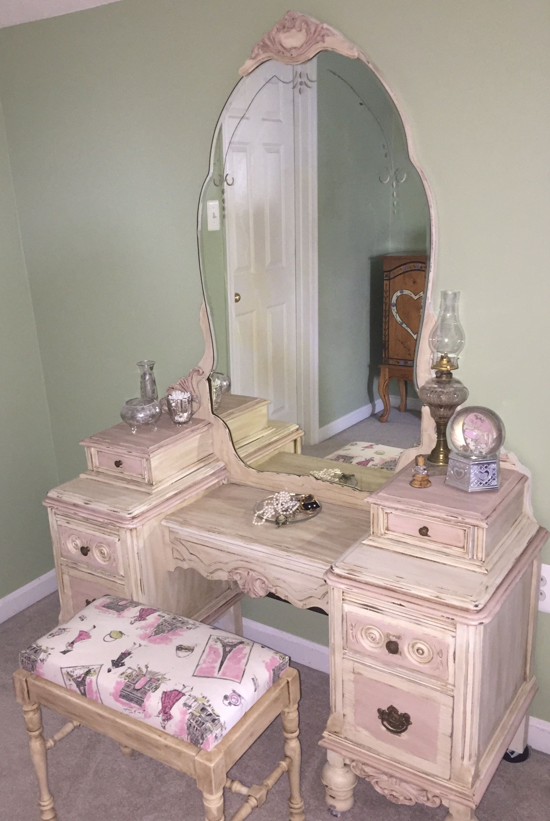 Painted Vanity Furniture: PINK Valspar Chalky Paint Antique