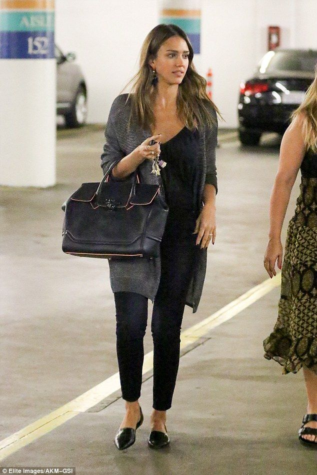 Jessica Alba wears skinny black jeans and gray car