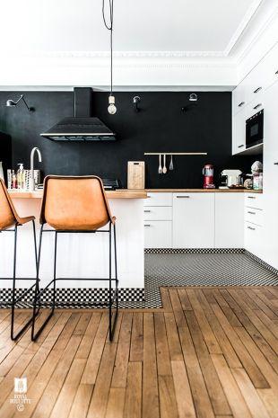 Très beau plan de travail, sol parquet, Bar de cuisine ouverte - idee bar cuisine ouverte