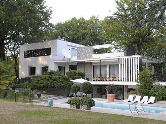 On the market: Midcentury modern Le Corbusier House in Tassin-la ...