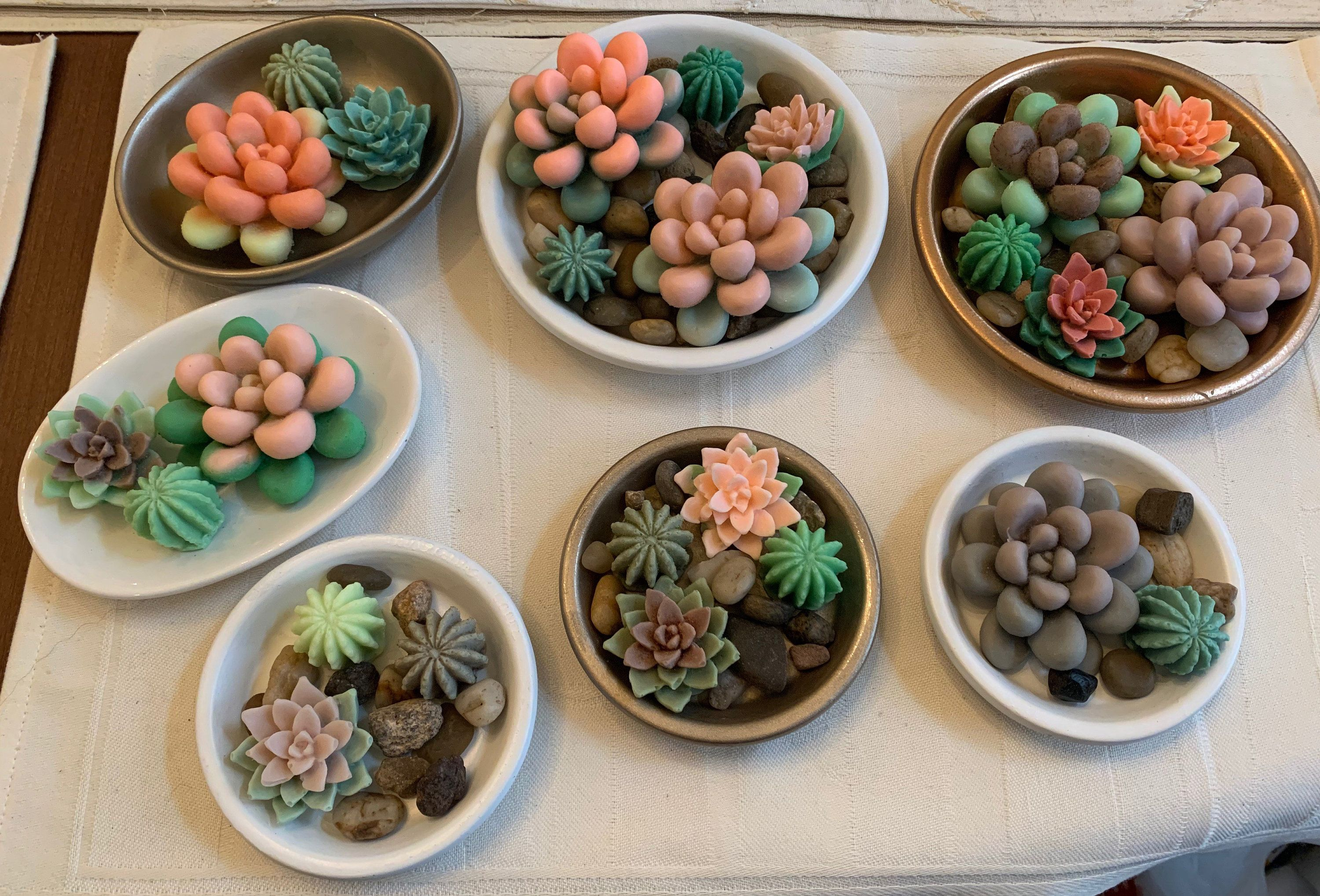 Succulent soaps in a dish Homemade bath soaps too adorable