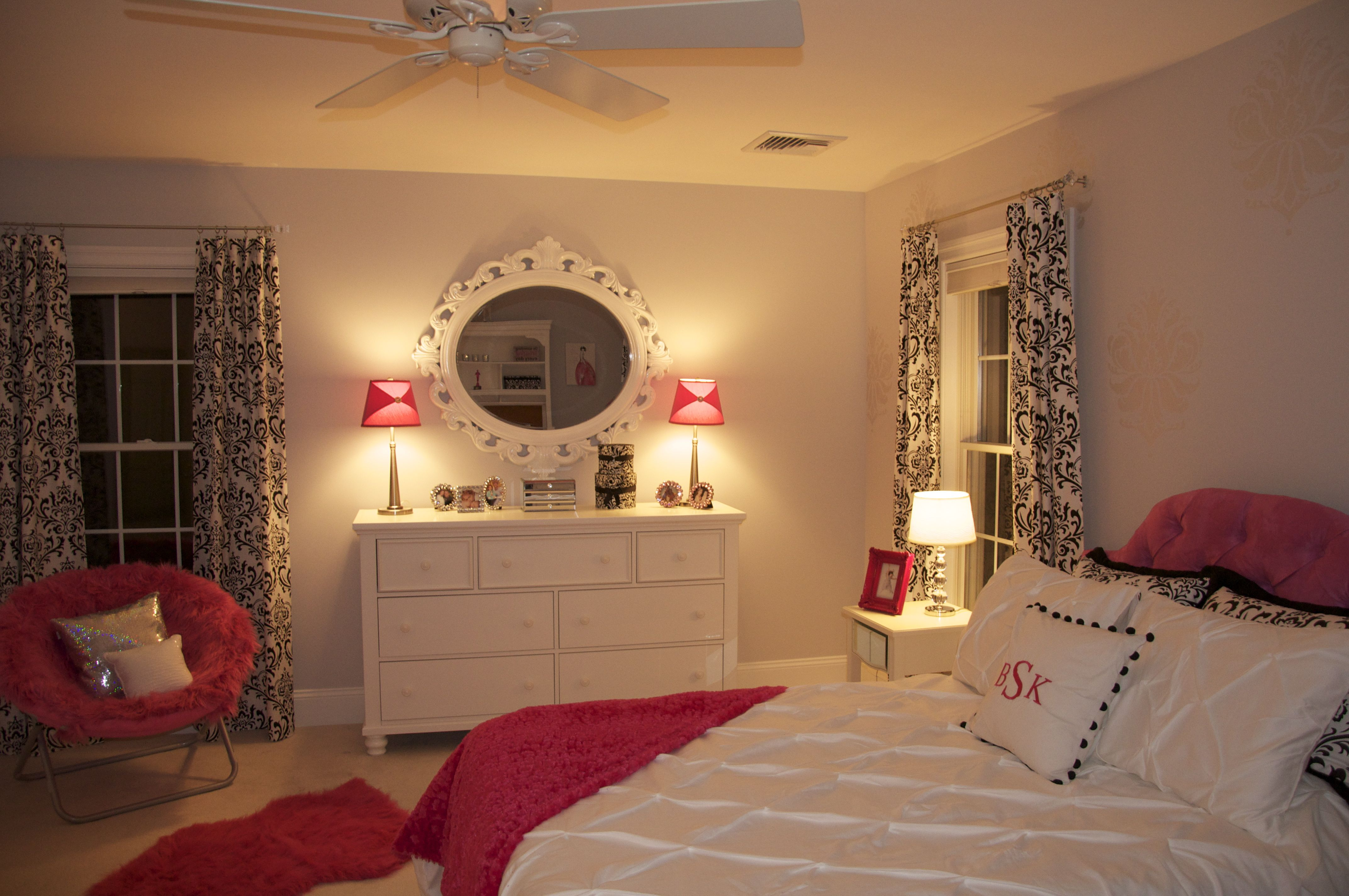 Pin By Danielle Stanton On Girls Room Luxurious Bedrooms Glam