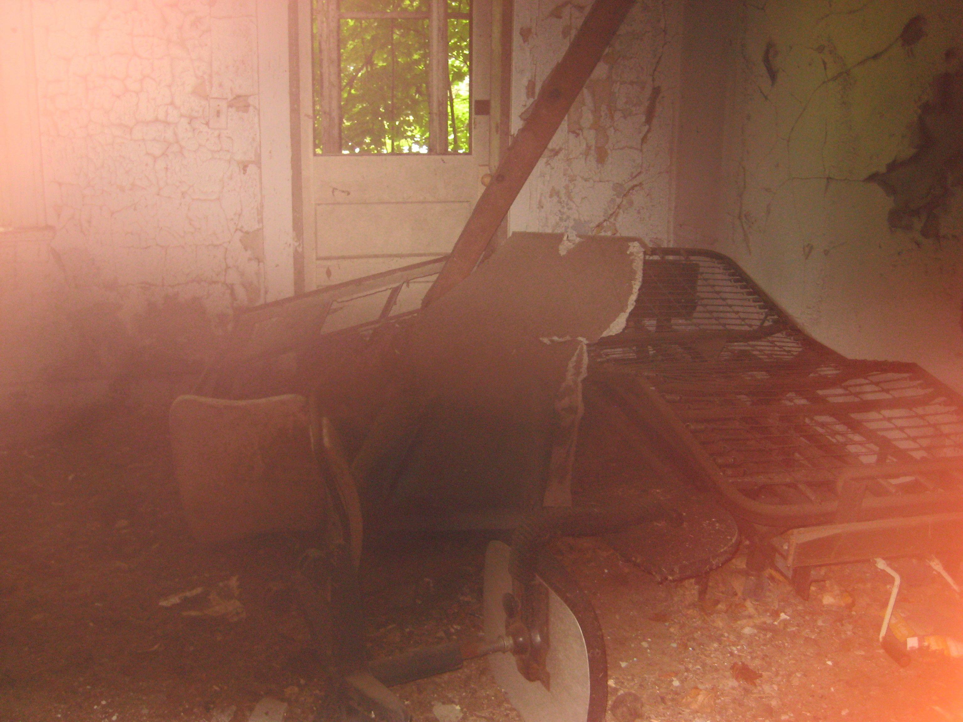 abandoned Hospital Bed Kids house, Abandoned hospital