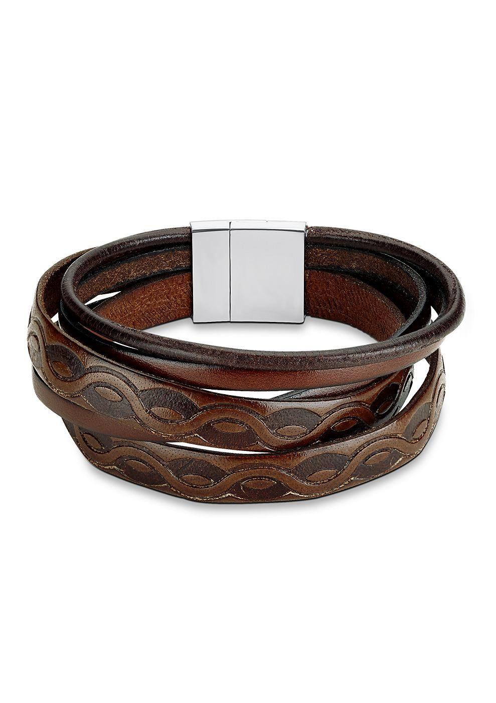 Lederarmband, »SO1287/1«, s.Oliver. Dieses 5-rhg. Armband passt ausgezeichnet zu lässiger Männermode! Durch die unterschiedlich breiten Lederbänder, mit einer Gesamtbreite von ca. 20 mm, entsteht ein außergewöhnliches Design. Die braune Farbe des Leders wirkt natürlich und ist teilweise strukturiert. Der Armschmuck hat eine Länge von ca. 21 cm. Der glänzende Magnetverschluss ist aus massivem Ed...