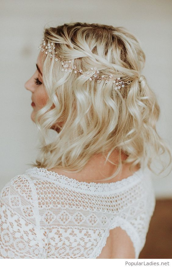 35 Stylish Wedding Hairstyles For Short Hair In 2019 Wedding Hairstyles Short Wedding Hairstyle Sho Bride Hairstyles Short Wedding Hair New Bridal Hairstyle