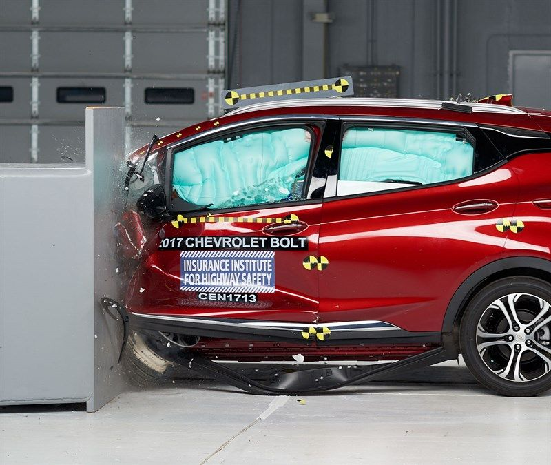 2017 Chevy Bolt Ev Rated A Top Safety Pick By Iihs Chevy Bolt